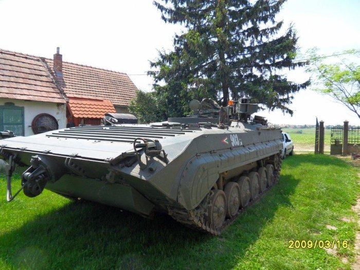 BMP-1 variant: VPV armored recovery vehicle