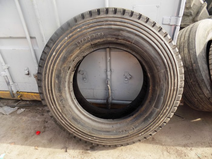 Military tyres