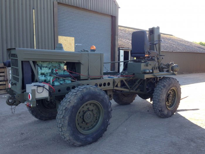 eager beaver forklift - medium military vehicles