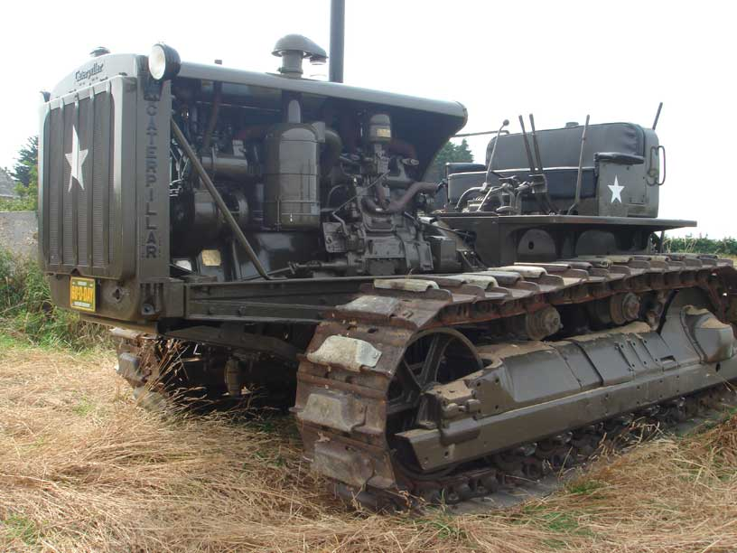 Caterpillar D8 and Sherman BARV to meet again - after 65 years