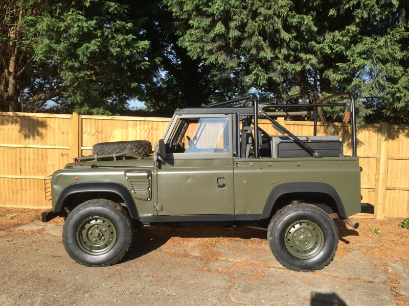 Landrover Defender Wolf 300tdi Soft Top