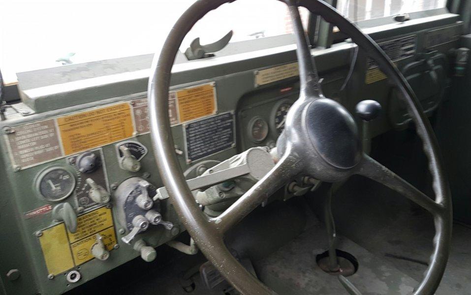 Reo M813 cargo truck